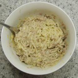 How to cook Dorm Room Cheesy Tuna and Noodles