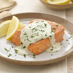 How to cook Grilled Salmon with Creamy Pesto Sauce