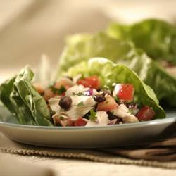 How to cook Tuna and Black Bean Salad Wraps
